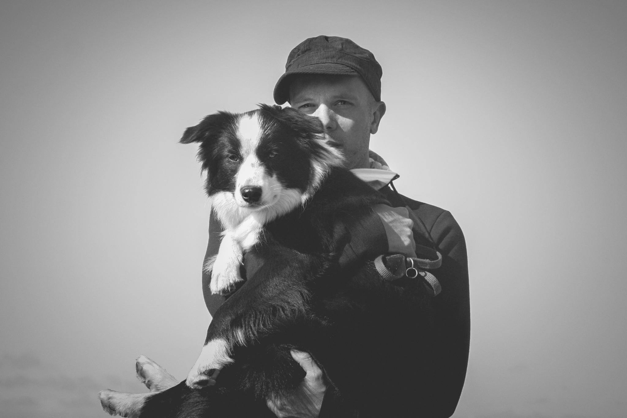 Border Collie-Züchter Johannes Willwacher mit einer seiner Zuchthündinnen.